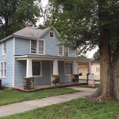 Junction City Multi Family Home For Sale: 220 West 10th #220 1/2