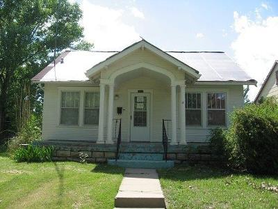 Herington Single Family Home For Sale: 111 North 8th Street