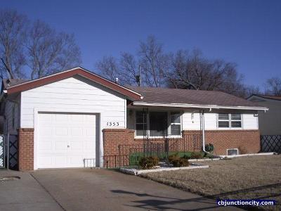 Junction City Single Family Home For Sale: 1353 Fogarty Drive