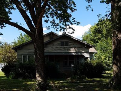 Abilene Single Family Home For Sale: 504 Southwest 2nd Street
