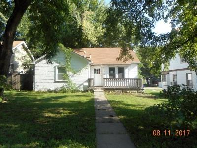 Junction City Single Family Home For Sale: 230 West Chesrtnut Street