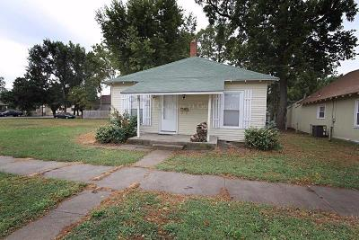 Junction City Single Family Home For Sale: 213 West 10 Street