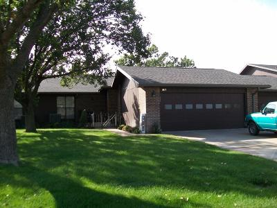 Great Bend KS Condo/Townhouse For Sale: $154,900