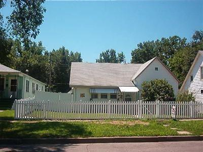 Junction City Single Family Home For Sale: 415 West 5th Street