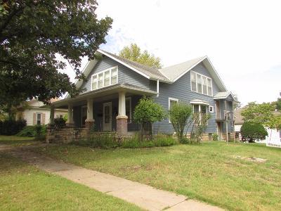 Herington Single Family Home For Sale: 120 East Walnut