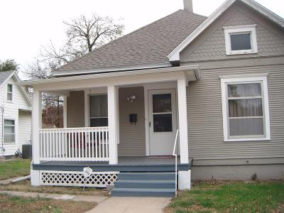 Clay Center Single Family Home For Sale: 922 Court Street