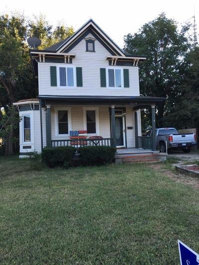 Abilene Single Family Home For Sale: 214 East 1st Street