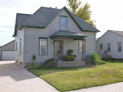 Hoisington KS Single Family Home For Sale: $105,000