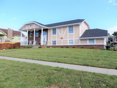 Junction City Single Family Home For Sale: 105 North Kiowa Court