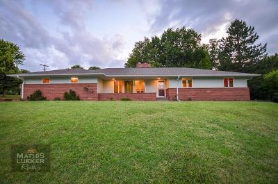 Junction City Single Family Home For Sale: 100 North Bunker Hill Drive