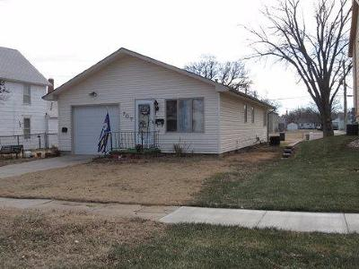 Junction City Single Family Home For Sale: 707 West 8th