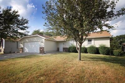 Junction City Single Family Home For Sale: 1502 Holly Lane