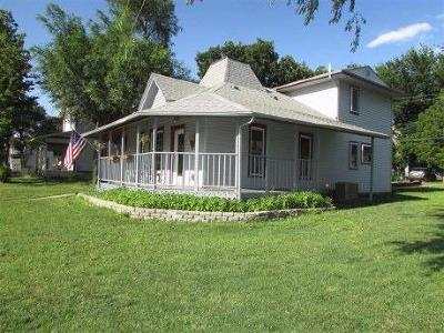 Herington Single Family Home For Sale: 308 South B Street