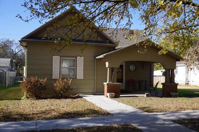 Herington Single Family Home For Sale: 515 South A