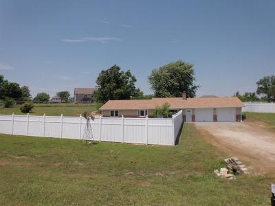 Milford Single Family Home For Sale: 8526 Ridge Lane