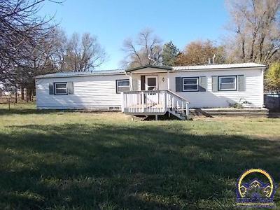 Junction City Single Family Home For Sale: 3417 Tree Lane