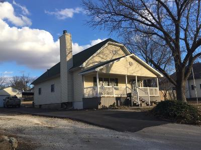 Herington Single Family Home For Sale: 706 North D