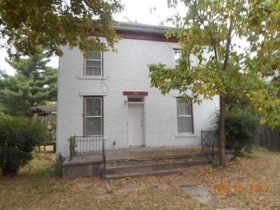 Junction City Multi Family Home For Sale: 206 North Adams