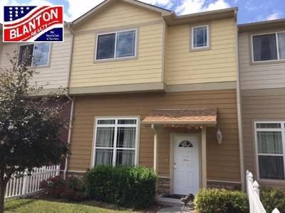 Junction City Condo/Townhouse For Sale: 70 Fuller Circle
