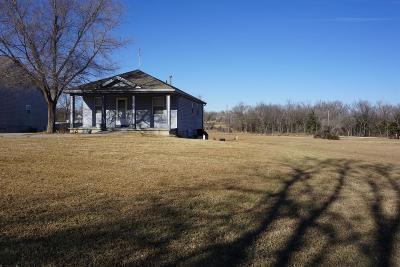 Herington Single Family Home For Sale: 1106 West Main Street