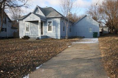 Wakefield Single Family Home For Sale: 703 Fir Street