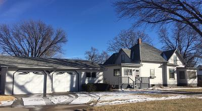 Ellinwood KS Single Family Home Sale Pending: $109,500