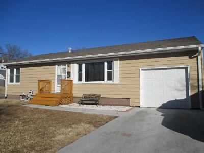 Junction City Single Family Home For Sale: 430 Oak