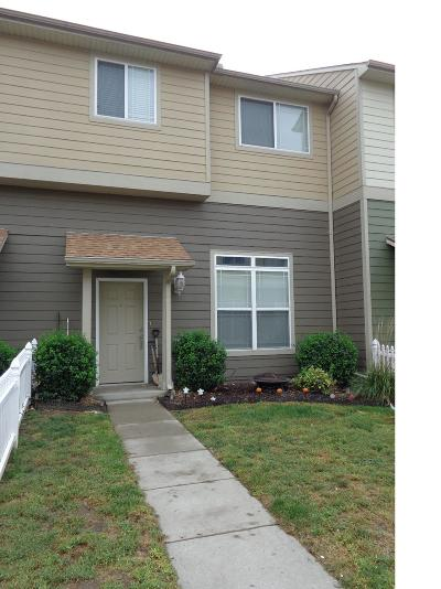 Junction City Condo/Townhouse For Sale: 36 Fuller Circle