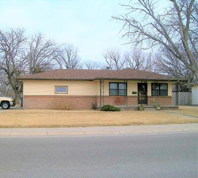 Great Bend KS Single Family Home Sale Pending: $139,900