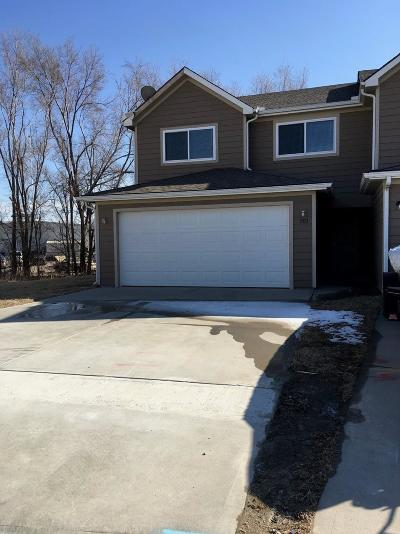 Junction City Multi Family Home For Sale: 901 Kramer Court #903