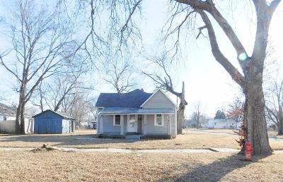 Junction City Single Family Home For Sale: 739 West 10th