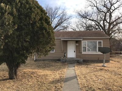Junction City Single Family Home For Sale: 407 West Roosevelt Street