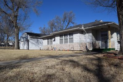 Junction City Single Family Home For Sale: 602 West Elm