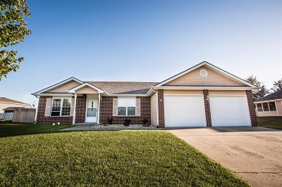 Junction City Single Family Home For Sale: 1521 Columbine Drive