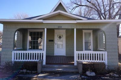 Herington Single Family Home For Sale: 205 West Walnut