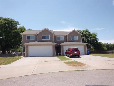 Junction City Multi Family Home For Sale: 823 Whitetail Court #825
