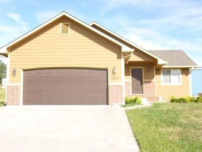 Junction City Single Family Home For Sale: 1607 Rivendell