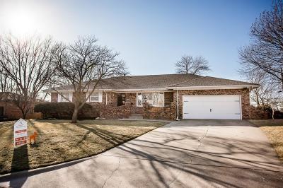 Junction City Single Family Home For Sale: 1044 West Chestnut Street