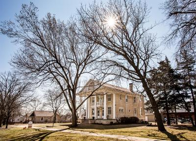 Junction City Single Family Home For Sale: 415 West Walnut Street