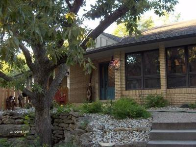 Junction City Single Family Home For Sale: 704 Skyline Drive