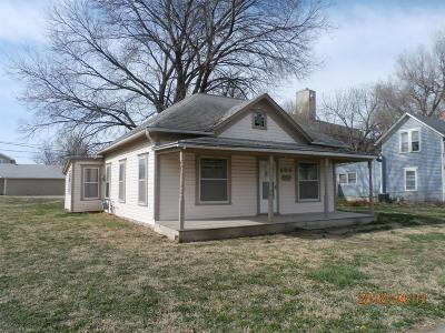 Abilene Single Family Home For Sale: 324 Northeast 4th