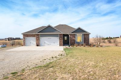 Saline County Single Family Home For Sale: 787 Annie Oakley Point