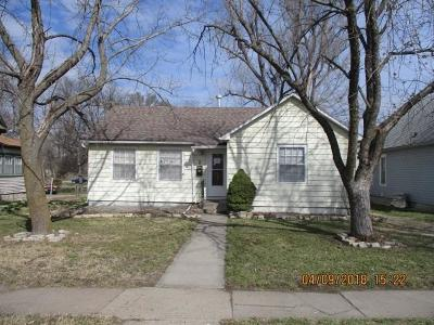 Herington Single Family Home For Sale: 8 North D Street