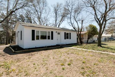 Junction City Single Family Home For Sale: 1829 Custer Road