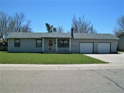 Great Bend KS Single Family Home Sale Pending: $129,900