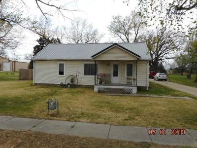 Herington Single Family Home For Sale: 531 South 5th Street