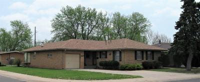 Great Bend KS Single Family Home For Sale: $119,000