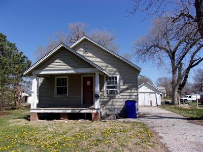Junction City Single Family Home For Sale: 324 West 12th