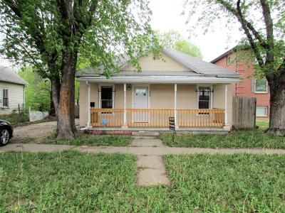 Junction City Single Family Home For Sale: 132 East Chestnut