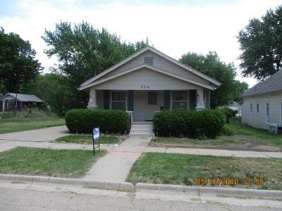 Herington Single Family Home For Sale: 504 North F Street